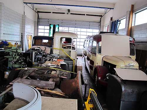 Einen Steyr-Bus in luxuriöser Perl-Karosserie wieder aufzubauen, das ist eien Mischung aus handwerklichen und ästhtetishen Herausforderungen