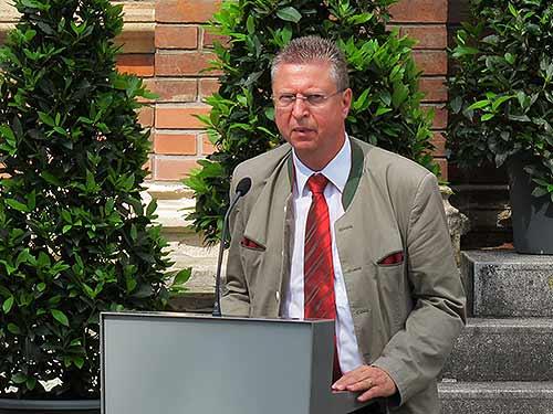 Erich Mayer (Magna Steyr)