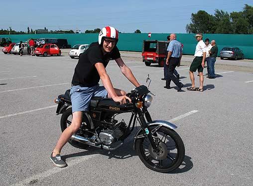 Max Fickert auf seiner Monza, in dritter Generation dem Thema verbunden