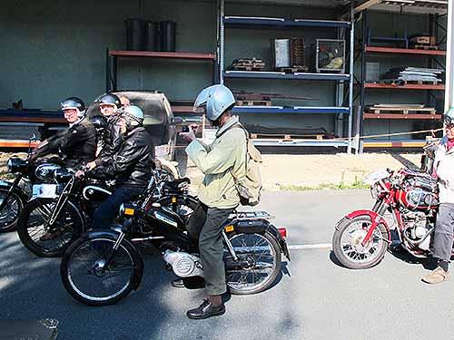 """Zwischen den Motorrädern der Nachriegszeit stieg die Puch MS 50 (""""Stangl-Puch"""") kometenhaft auf"""