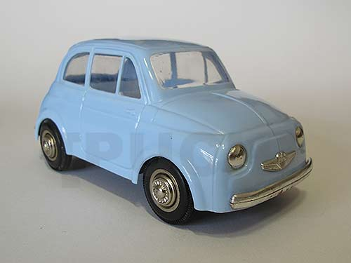 """Der """"GOWO-Puch"""", ein Modellauto aus der Zeit der ersten Pucherln"""