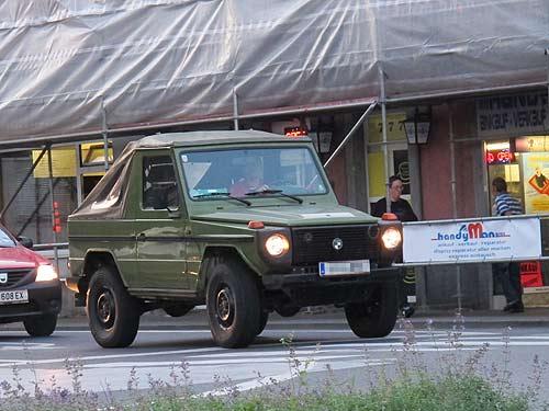 Das Nutzfahrzeug, hemdsärmelig, in Graz