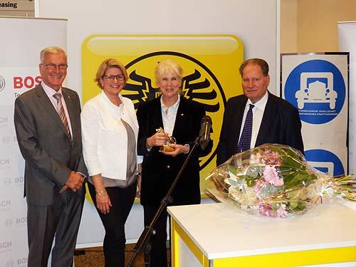 Zweite von rechts: Preisträgerin Lisl Mesicek (Foto: Bosch)