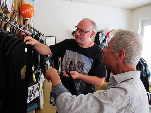 Shört-Boss Norbert Janisch  (links) und Graphic Novelist Chris Scheuer