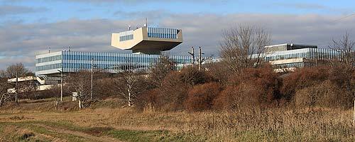 Ehemaliges AUA-Hauptbüro in Wien-Oberlaa, das inzwischen abgerissen wurde. (Foto: DerHHO, Creative Commons)