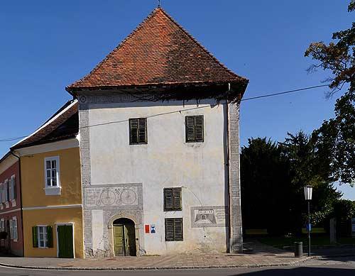 Die Reise nach Graz war auch Anlaß für einen Abstecher nach Bad Radkersburg, wo Altmeister Johann Puch in diesem Haus sein handwrrk gelernt hatte